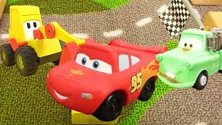 Disney Pixar Cars. Lightning McQueen Race
