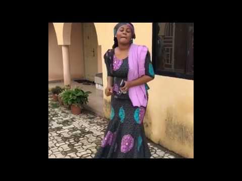 Hadiza Gabon Tana rawar shockiii
