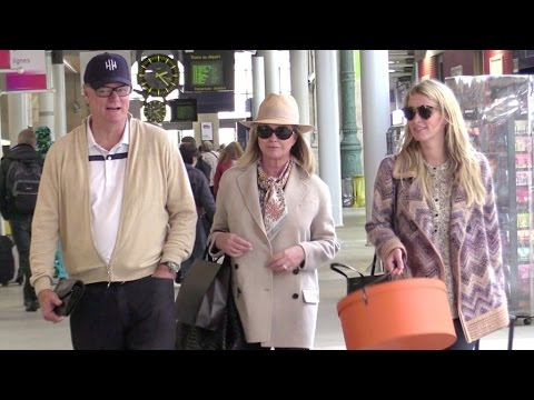 EXCLUSIVE - Nicky, Kathy and Richard Hilton at the Gare du Nord train station