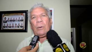 Prefeito de Cajazeiras responde adversários, e taxa ex-prefeito de ladrão