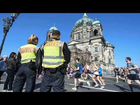 Polizei verhindert Terroranschlag auf Berliner Halbmara ...