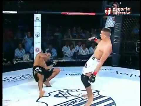 Amazing MMA Knockout - Capoeira' Strike