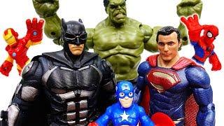Video Superman And Batman Are Angry~! Let's Defeat Dinosaur Together - ToyMart TV MP3, 3GP, MP4, WEBM, AVI, FLV Juli 2018