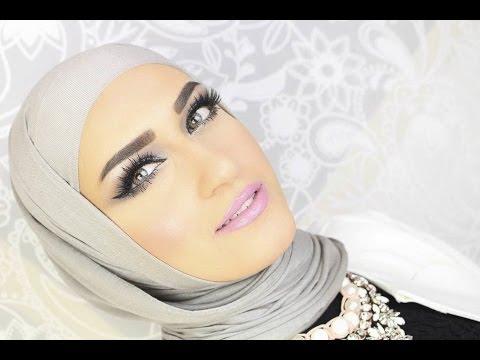مكياج العيون المستوحي من إطلالات ريهانا