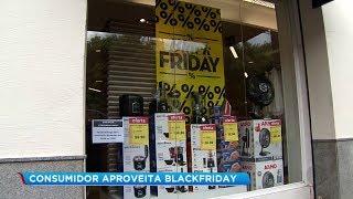 Black Friday: consumidores movimentam o comércio em busca de descontos