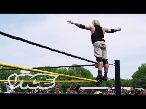 Inside America's Most Violent Wrestling Deathmatch (видео)