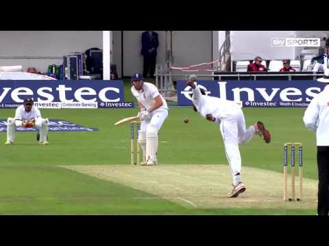 Rumesh Ratnayake hits Larry Gomes with a bouncer