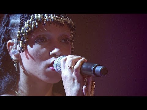 KLIP: FKA twigs - Two Weeks (Later... with Jools Holland - BBC Two)