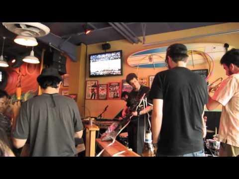 Diário de bordo #10 . Austin/EUA . 20/03/2011 - Constantina em Austin - Monte Roraima at Lucy's