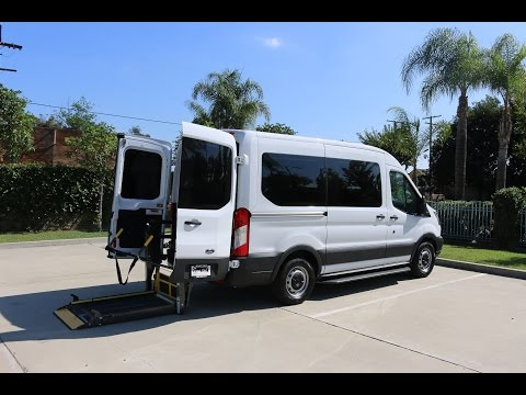 FORD TRANSIT WHEELCHAIR VAN WITH REAR ENTRY BRAUN LIFT