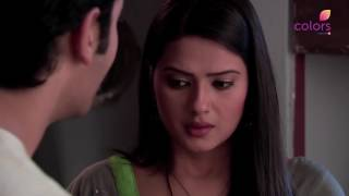 Kasam is a story of star crossed lovers Rishi and Tanu who are destined to be together since birth. Their love has stood the test of time, cheating even death. This story of reincarnation will even make non believers believe in love.