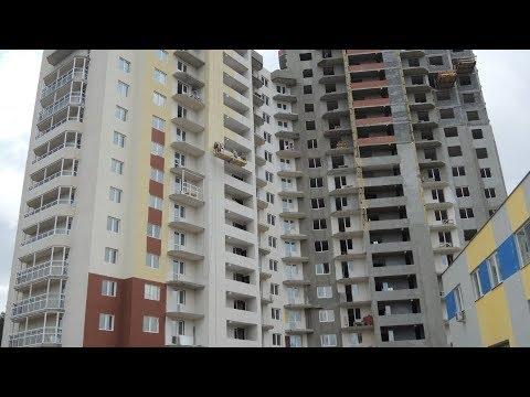 Новый дом с кривыми окнами и со щелями в ладонь - DomaVideo.Ru