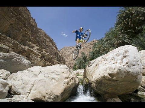 BMX and Mountain Bike Trails around Oman's Dramatic Landscape (видео)