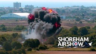Un jet s'écrase pendant un meeting en Angleterre