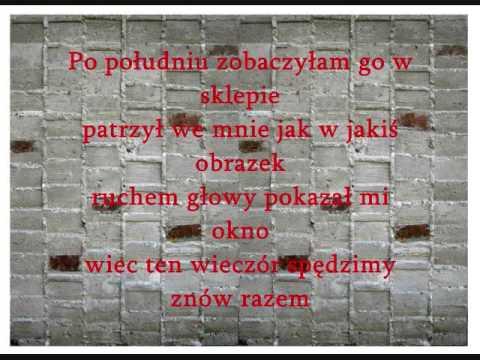 Tekst piosenki Martyna Jakubowicz - W domach z betonu po polsku