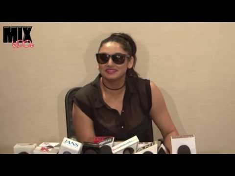 Video South Actress Ragini Dwivedi Busty Cleavage download in MP3, 3GP, MP4, WEBM, AVI, FLV January 2017