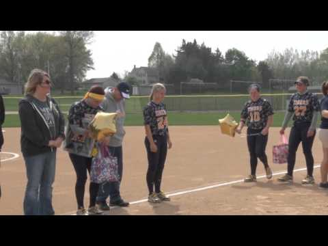 MCC Softball Sophomore Day (4/26/2016)