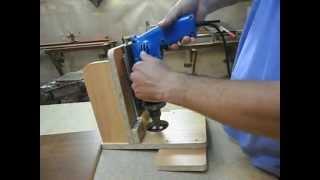 Самодельное сверлильноприсадочное приспособление.Device for drilling wood.