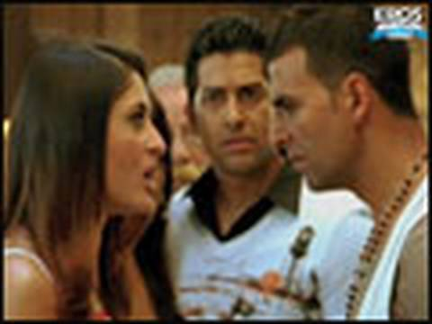 Akshay Kumar is against marriage - Kambakkht Ishq Movie Review & Ratings  out Of 5.0