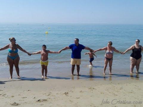 Cadena Humana contra la Violencia de Género Playa de La Redondela