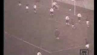 József Bozsik trifft beim 6:3 gegen England (1953)