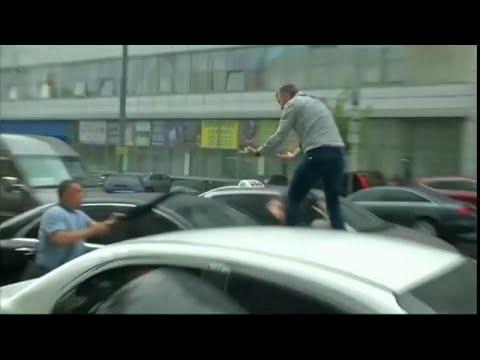 Ουκρανία: Επίθεση κατά Ποροσένκο