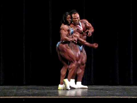 Айрис Кайл и Кай Грин вместе позируют на Arnold Classic Seminar