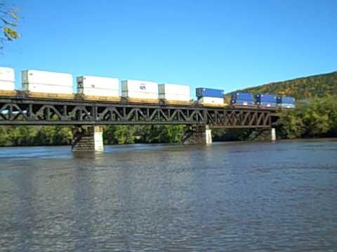 10/9/2010: CSX Albany D / Selkirk SD: Q267 @ QG 40.8 - Mohawk River Bridge; Rotterdam Jct, NY
