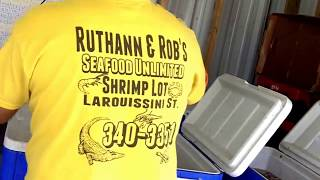 Westwego (LA) United States  City pictures : Buying shrimp. Ruthann & Robs Seafood Unlimited Westwego Louisiana.