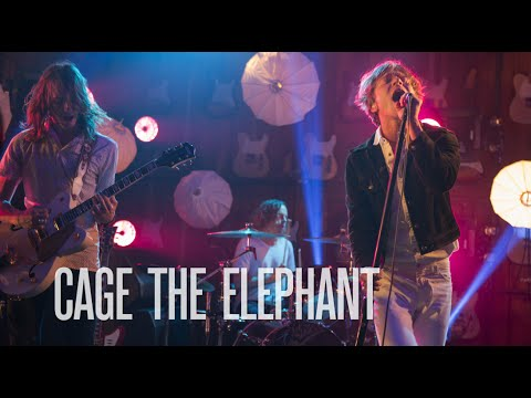 Cage The Elephant tocan &#8220Ain't No Rest For the Wicked&#8221 en las &#8220Guitar Cen...
