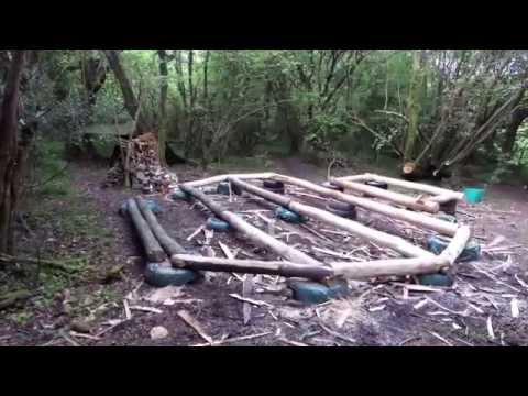 Guy builds complete off the grid roundhouse including plumbing, electricity and internet [series of 40 Videos]