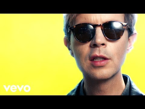 Beck: Wow (Official Music Video, Album: Colors 2017)