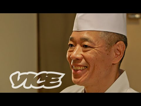 Sushi Master Show's Us How to Eat Sushi the Proper Way