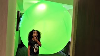 Giant Balloon Stuck In Our Hotel Room - Num Noms - Chupa Chups - Surprise Toy Opening