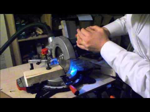 Vergleich von Kappsägen: KS 216 M Lasercut (Metabo) und GCM 10 J Professional (Bosch) im Test