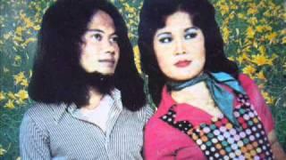 Kampungan - Rhoma Irama & Elvy Sukaesih Video