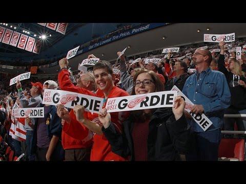 Video: Red Wings faithful cheer on Gordie Howe