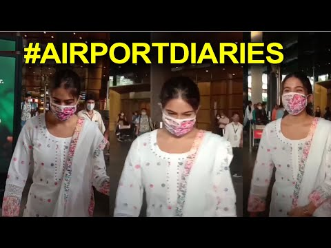 Sara Ali Khan spotted at airport in pretty ethnic wear