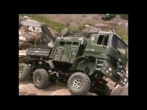 Axial SCX10 6X6 Bronko truck trial