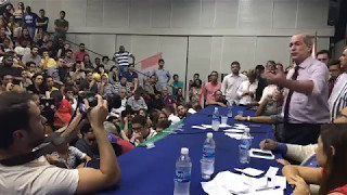 VÍDEO ORIGINAL: https://www.facebook.com/cirogomesoficial/videos/12789791...