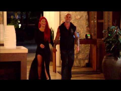Total Divas, Season 3, Episode 6 : Paint the Island Red