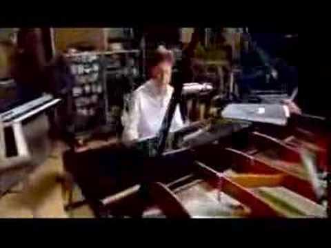 Vídeo da semana: Paul McCartney - Christian Pop