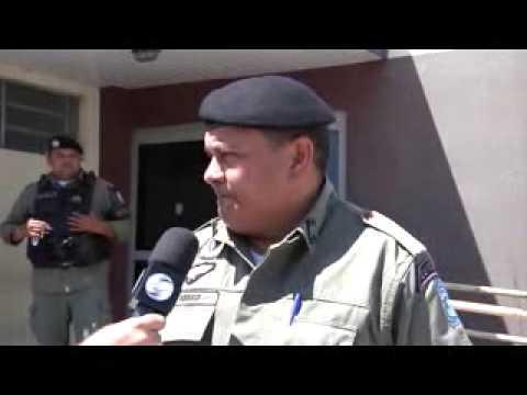 Policiais do Dirceu Arcoverde prendem bandido após assalto