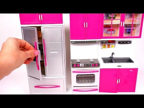 Cooking Breakfast With Mini Kitchen Playset For Kids | Yippee Toys