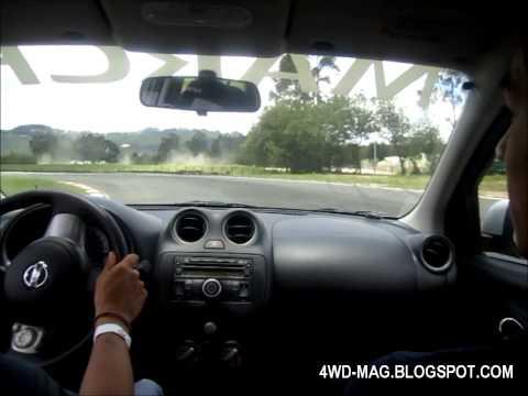 Nissan March Advance 1.6 16V @ Autódromo de Tocancipá