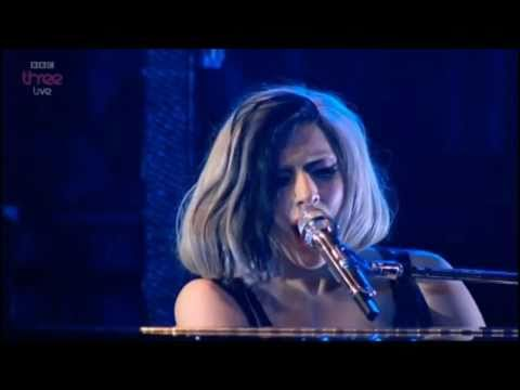 Lady Gaga- Edge Of Glory Acoustic HD(Live On Radio 1's Big Weekend)