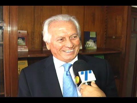 [JORNAL DA TRIBUNA] Silvio Neves Baptista toma posse de cadeira na Academia Pernambucana de Letras