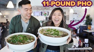 Video I Challenged My Friend To Eat An 11-Pound Bowl Of Pho • Giant Food Time MP3, 3GP, MP4, WEBM, AVI, FLV Juni 2019