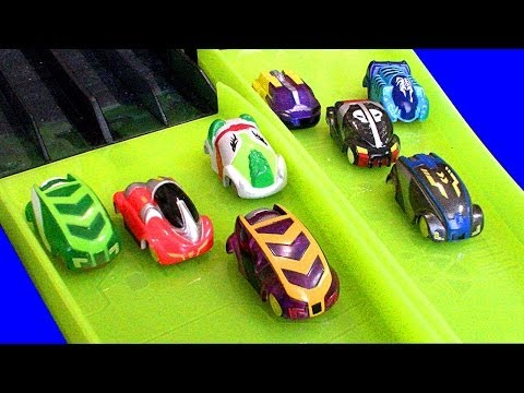 micro - A comment from my first Micro Chargers Hyper Dome toy review suggested adding a 4 car launcher to the Hyper Dome...Lets add 2, 4 car launches so 8 cars can f...