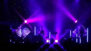 M83 'Midnight City' Live on Carson Daly - YouTube